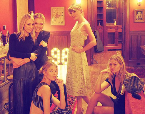 The Definitive List Of Taylor Swift's Besties: The 2015 Edition