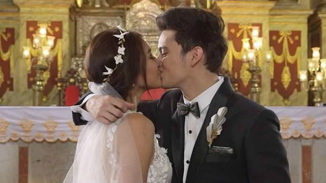 10 People Who Just Can't Handle #OTWOLTheLastFlight
