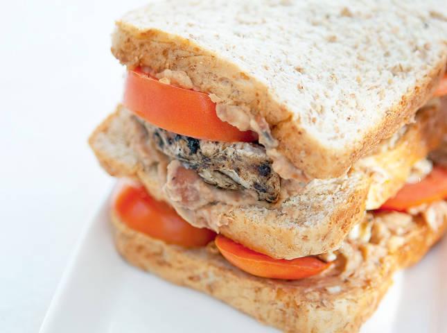 Chicken Hummus Sandwich