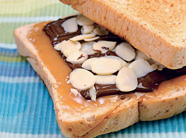 Dark Choco Coco Sandwich