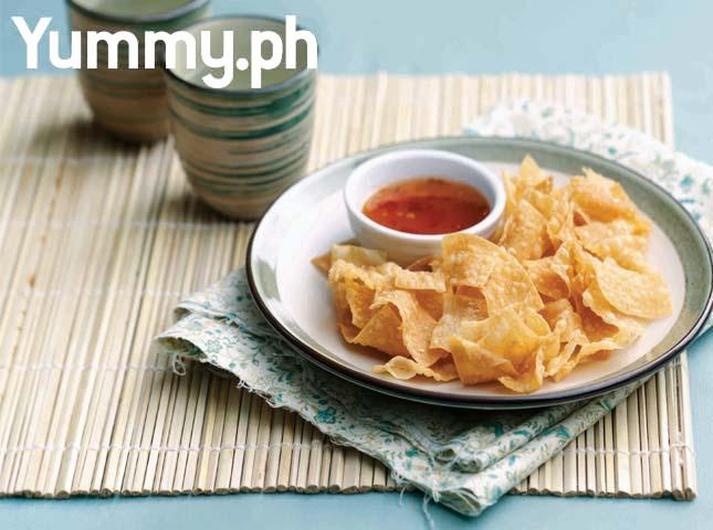 Wonton Chips with Sweet Chili Sauce Recipe