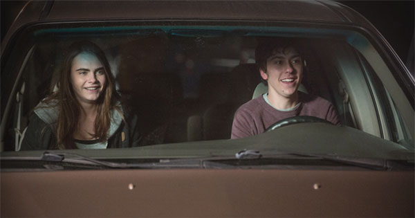 Paper Towns movie still of Cara Delevingne and Nat Wolff