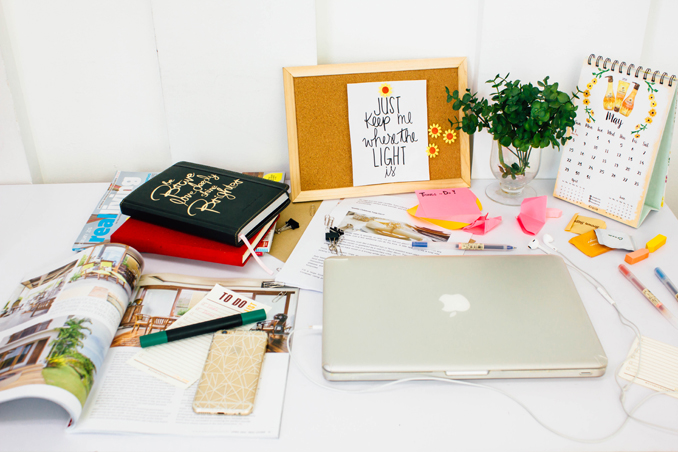 4 Ways to Keep Your Desk Organized
