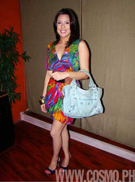 Everyday Essentials In Nikki Gil 39 S Bag