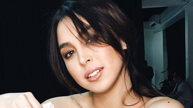 Julia Barretto Took A Photo With Fans And Uploaded It, As ...