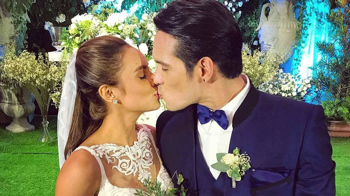 Pancho Magno And Max Collins' Tearful Wedding Vows