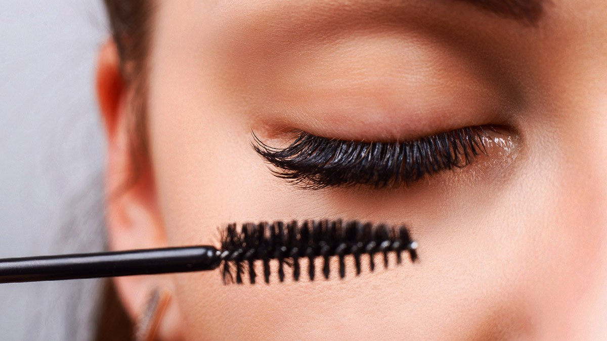 how to make your eyelashes look fake