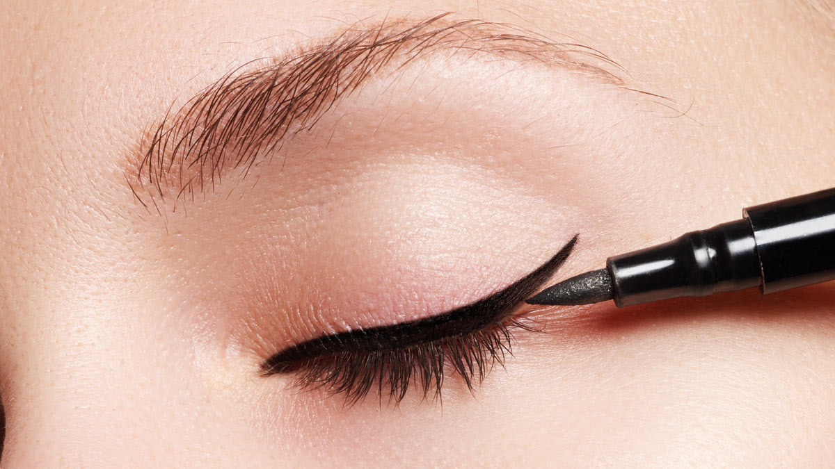 59fdf339baf How To Do Winged Eyeliner For Beginners