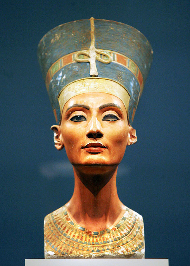 A photo of the limestone bust of Queen Nefertiti of Egypt.