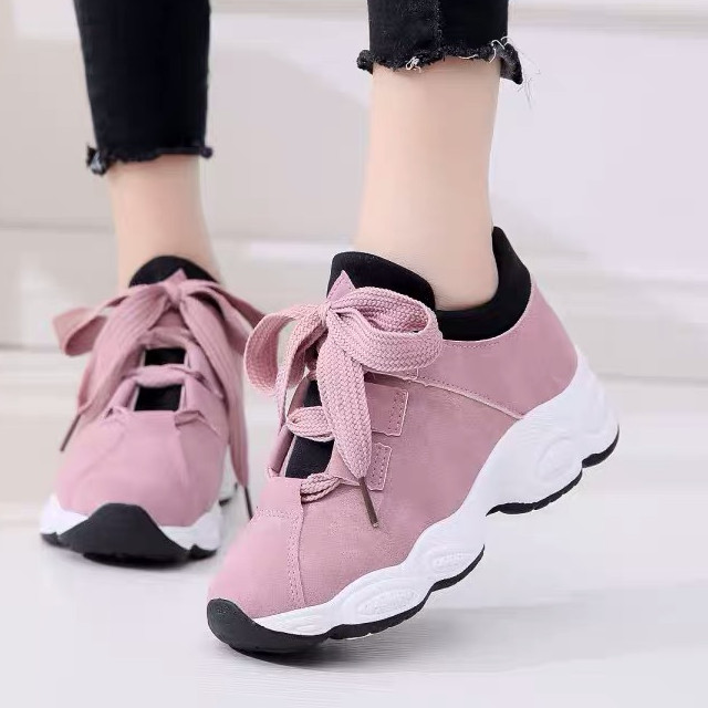 Pink Sneakers Under P1000