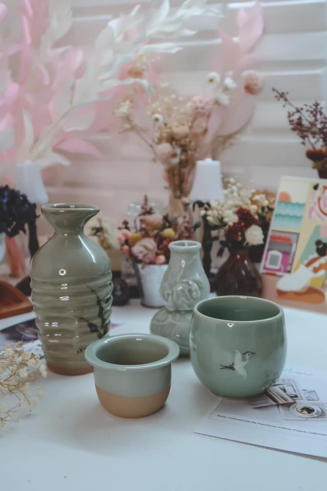 ceramic tea cup with strainer