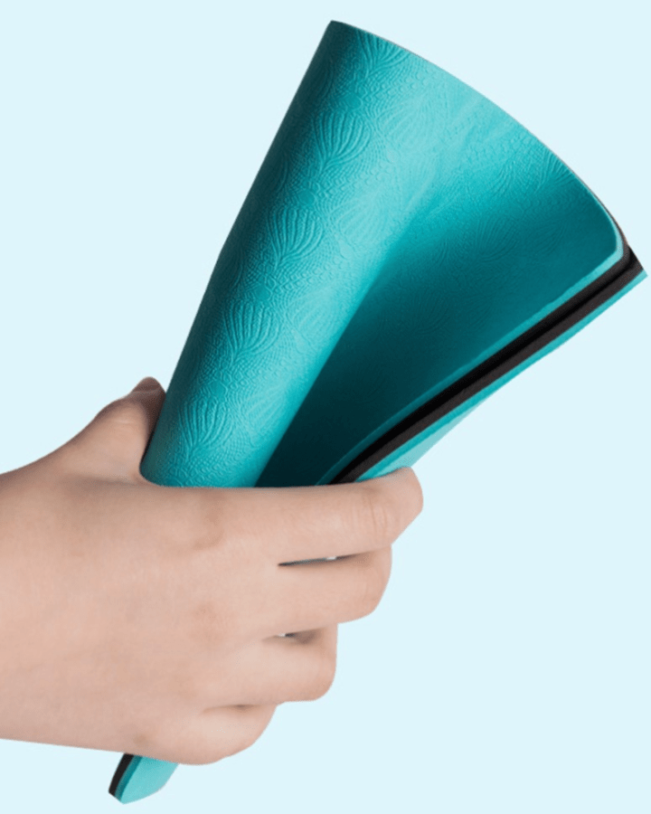 Green kneeling pad for exercising