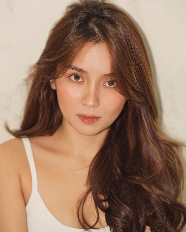 Kathryn Bernardo No-Makeup Look