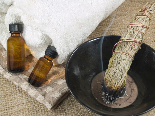 Create positive energy at home: Sage smudge stick