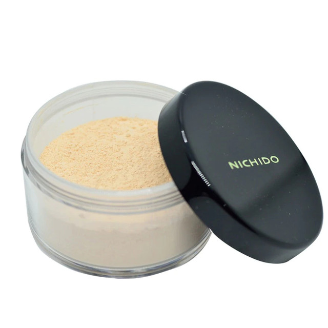 How to Smoky Eye Makeup: Translucent powder