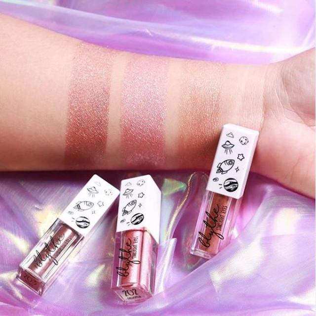 Simple Eye Makeup: Liquid Eyeshadow