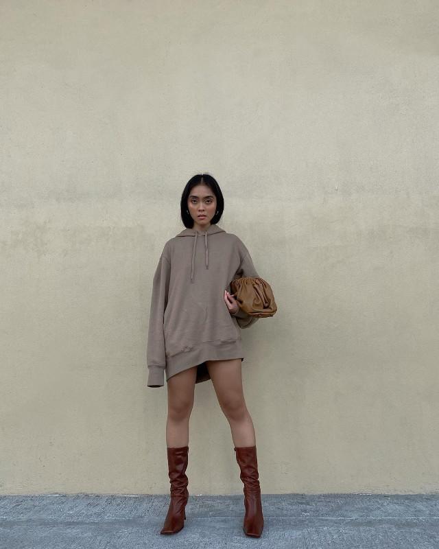 How To Wear Hoodies - Ida Anduyan