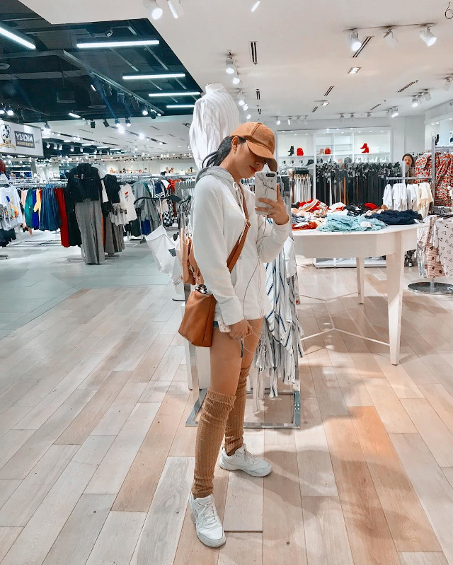 How To Wear Hoodies - Jane de Leon