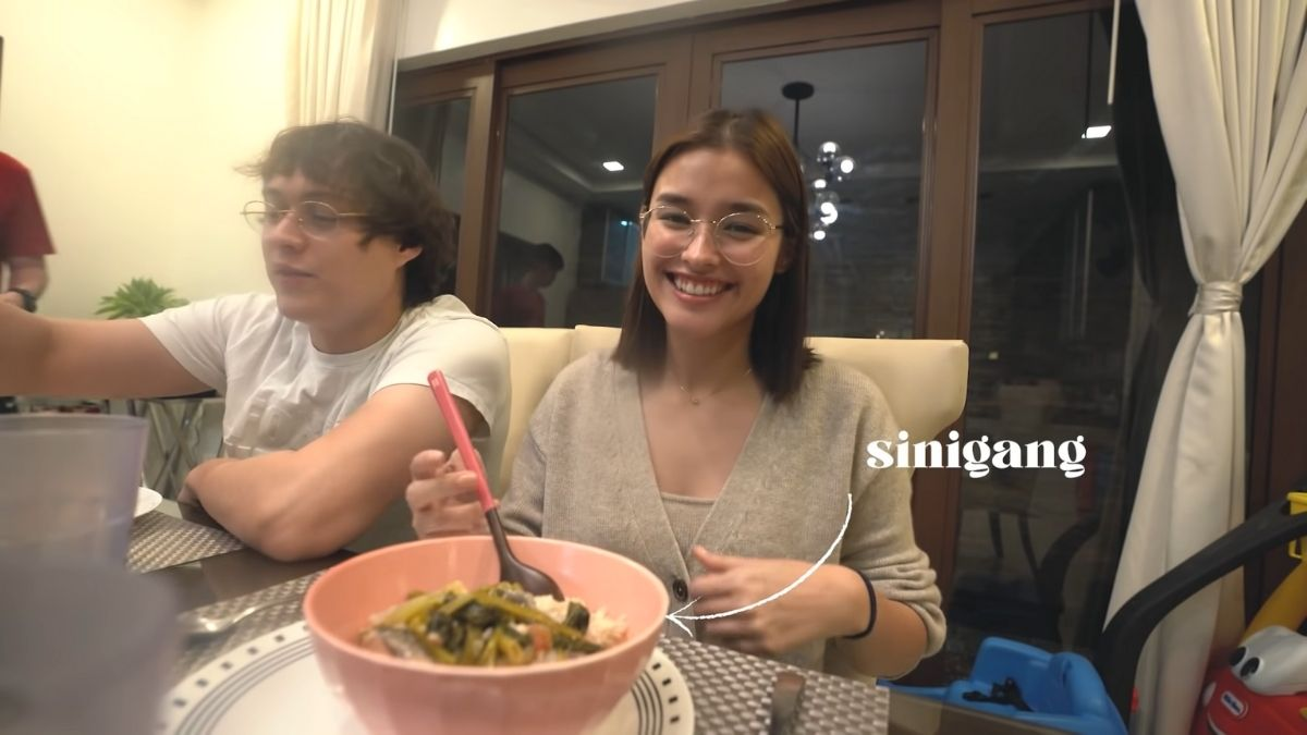 Liza Soberano and Enrique Gil eating dinner together in Liza's home