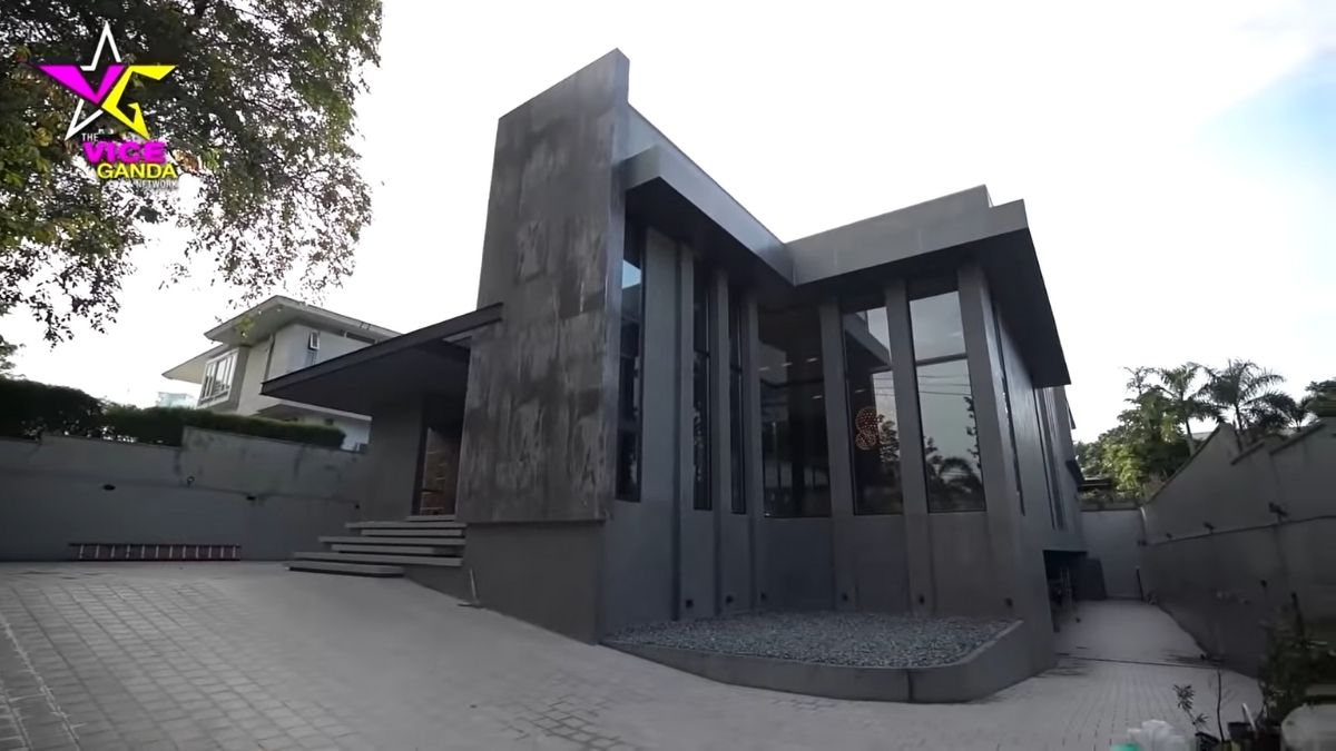 An outside shot of Vice Ganda's industrial-style house