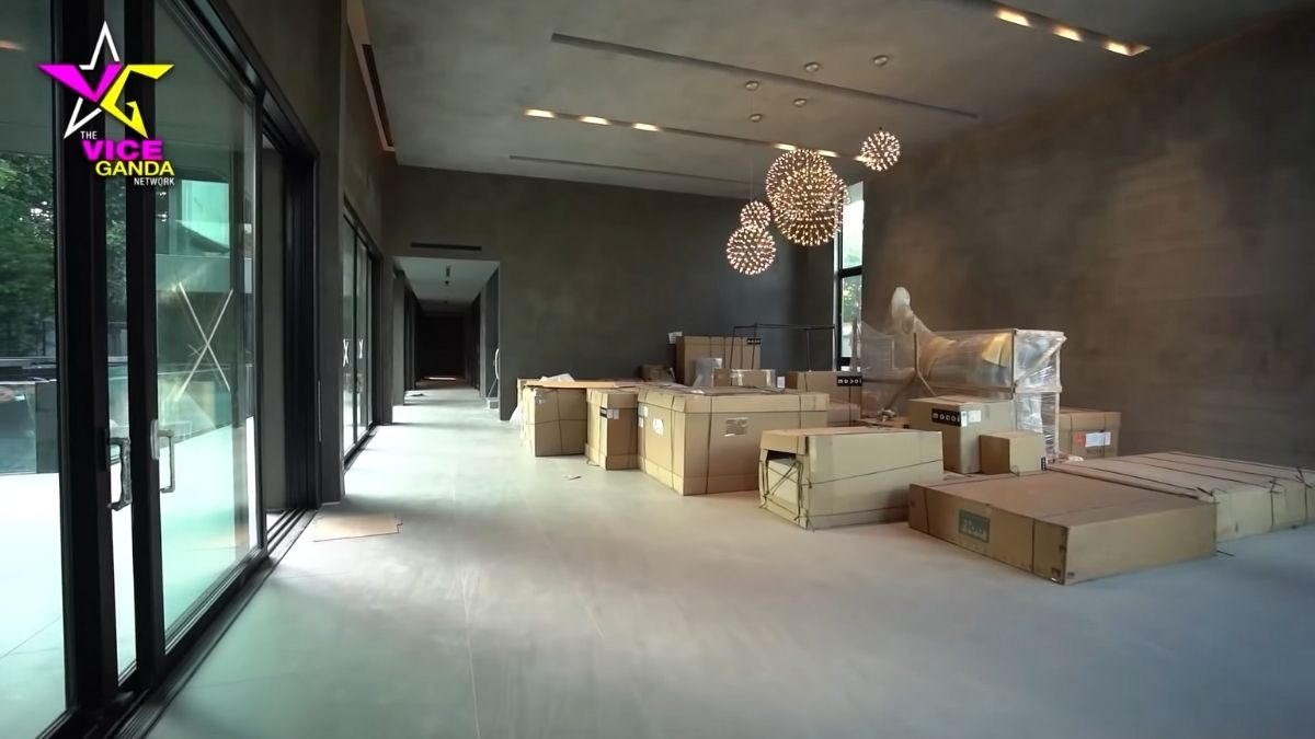 Vice Ganda house tour: common area with boxes