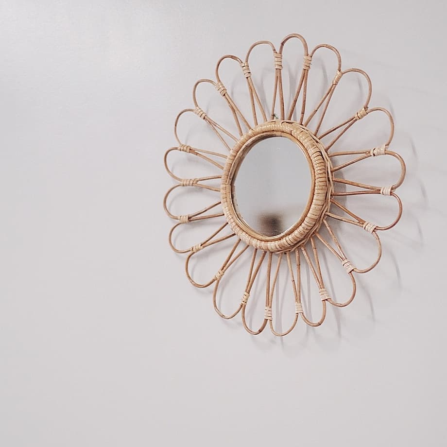 Tropicale's rattan mirrors: flower design