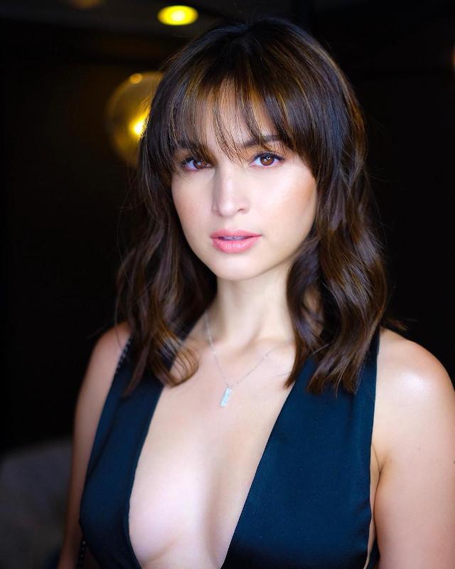 Lob Hairstyle: Coleen Garcia