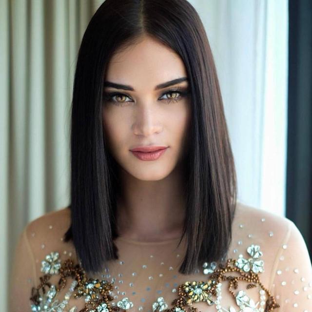 Lob Hairstyle: Pia Wurtzbach