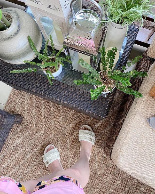 Jinkee Pacquiao wearing Chanel sandals