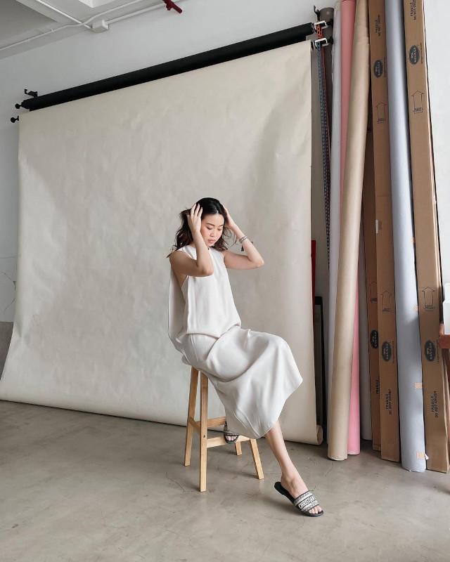 Vina Guerrero wearing Dior Dway Slides