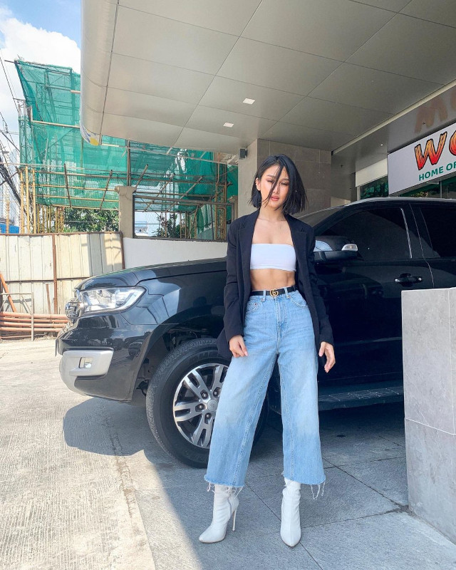 Chie Filomeno Loose-Fitting Jeans Outfit