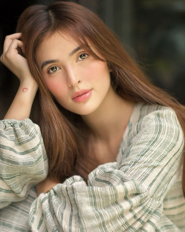Sofia Andres Brown Hair
