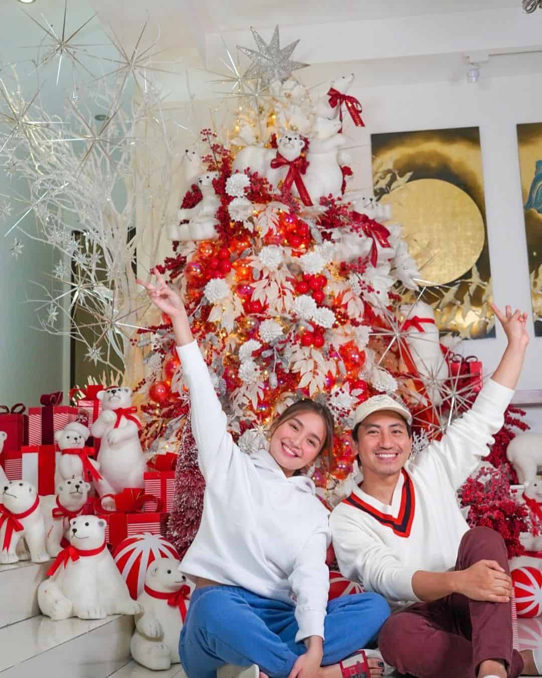 Kathryn Bernardo and Gideon Hermosa in front of the Bernardo 2020 Christmas tree