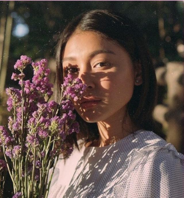 Nadine Lustre using vintage film camera effect