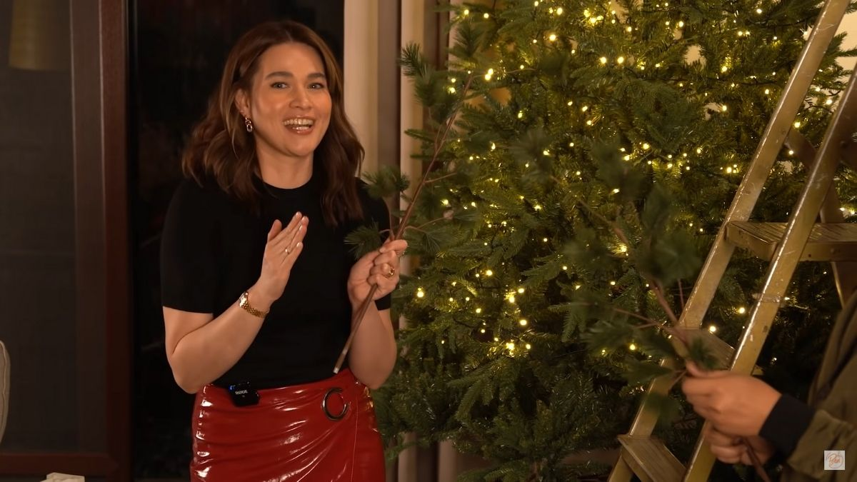 Bea Alonzo's 2020 Christmas tree