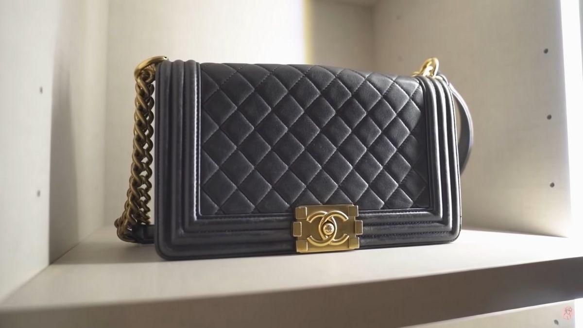 Julia Barretto closet tour: boy Chanel handbag