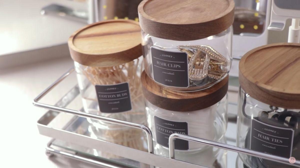 Julia Barretto closet tour: accessories organized in jars
