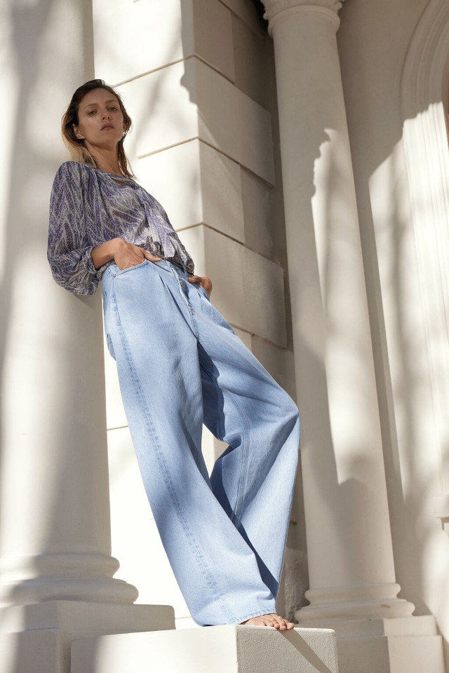 Zara Wide Leg Jeans with Pleats