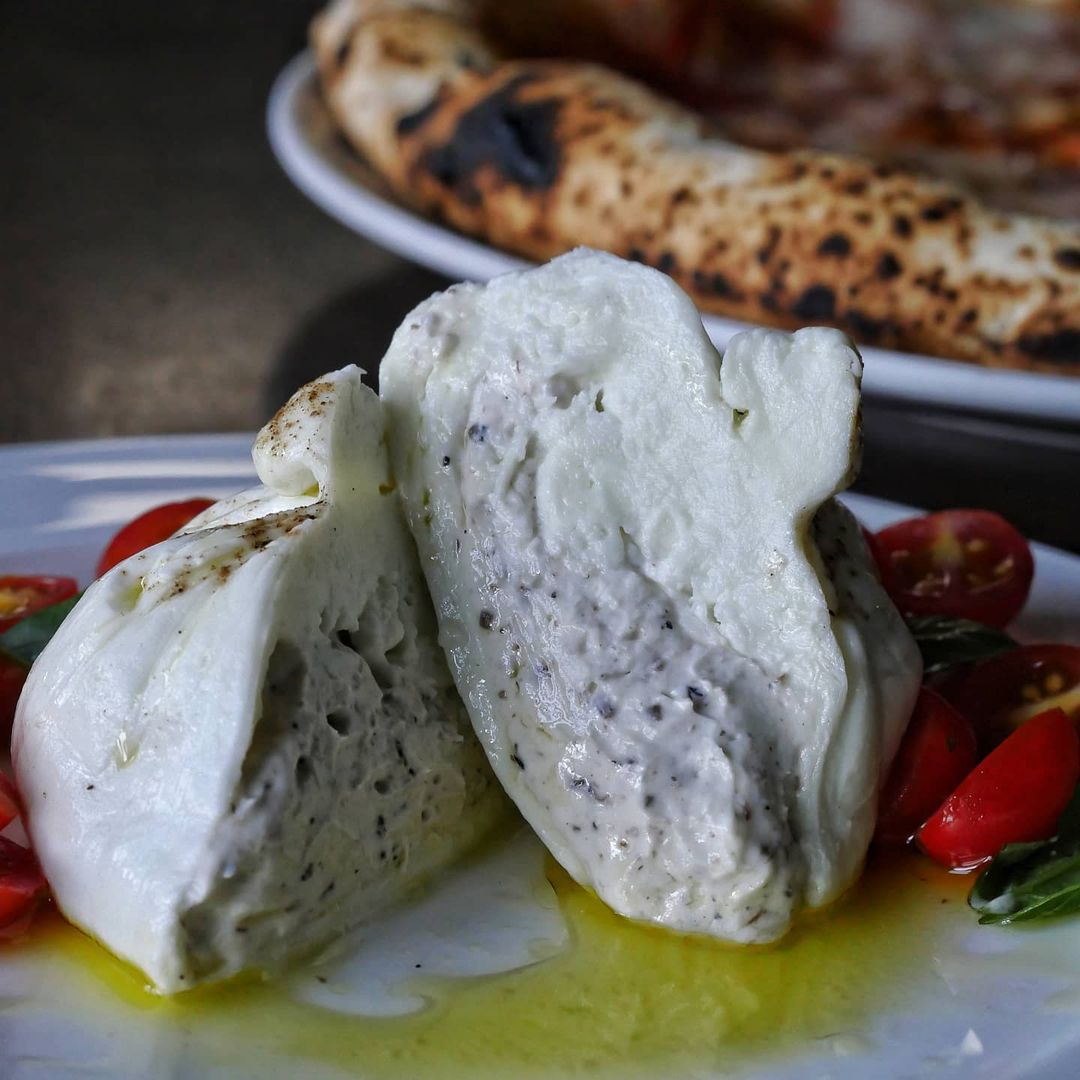 Gino's Brick Oven Pizza collaborated with La Petite Fromagerie for Trufflata