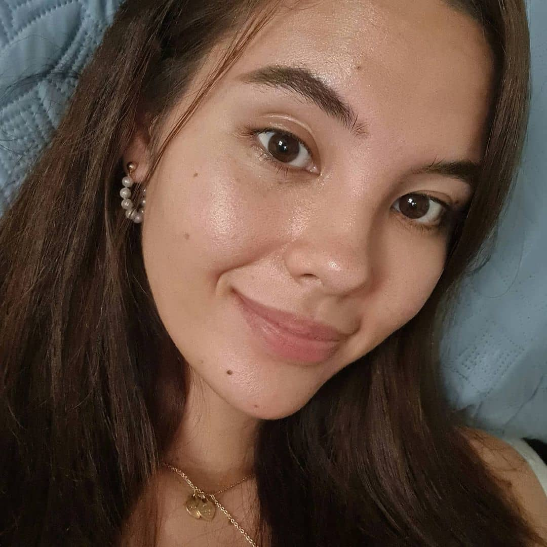 Catriona Gray barefaced selfie