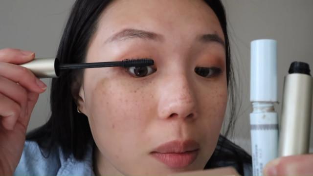 K-drama main character makeup tutorial: Mascara