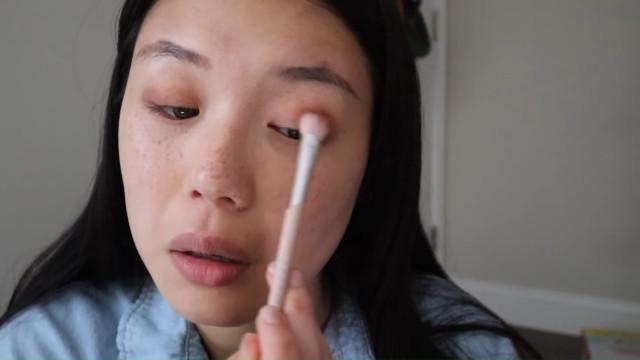 K-drama main character makeup tutorial: Eyeshadow
