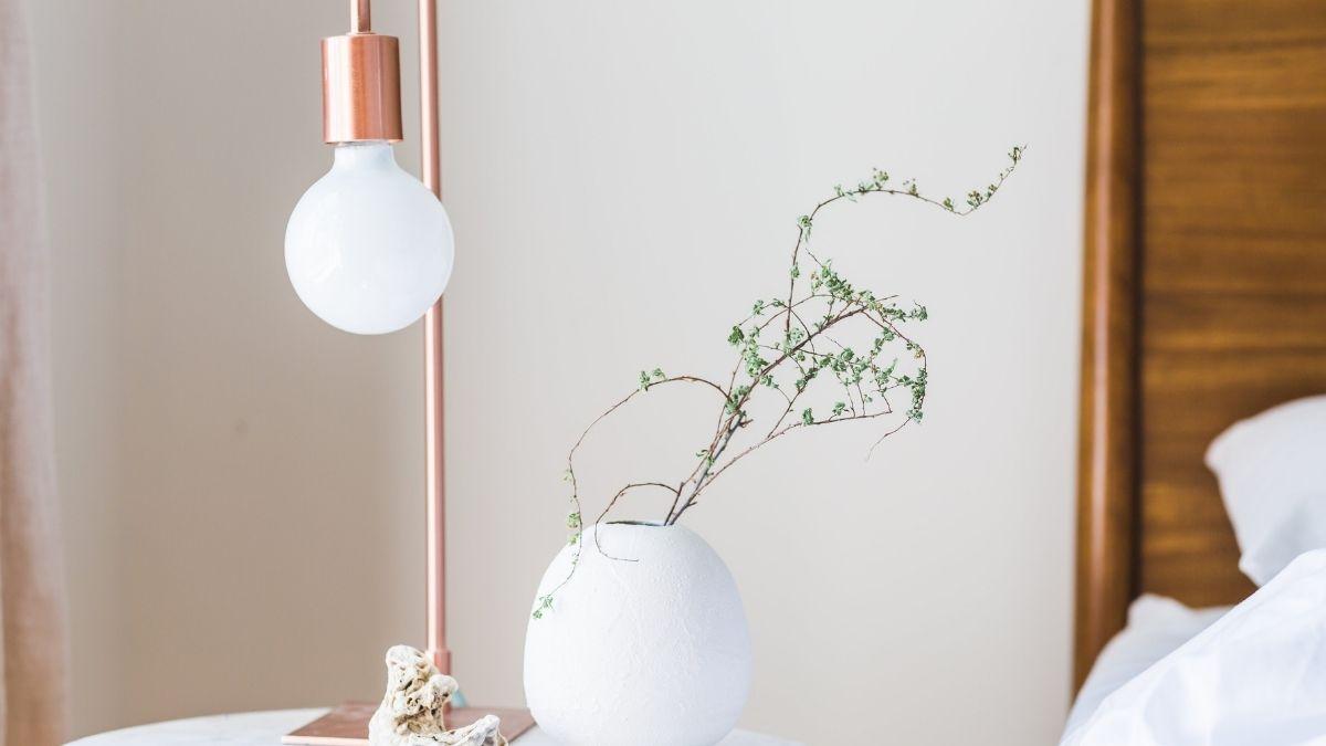 simple bedroom lighting