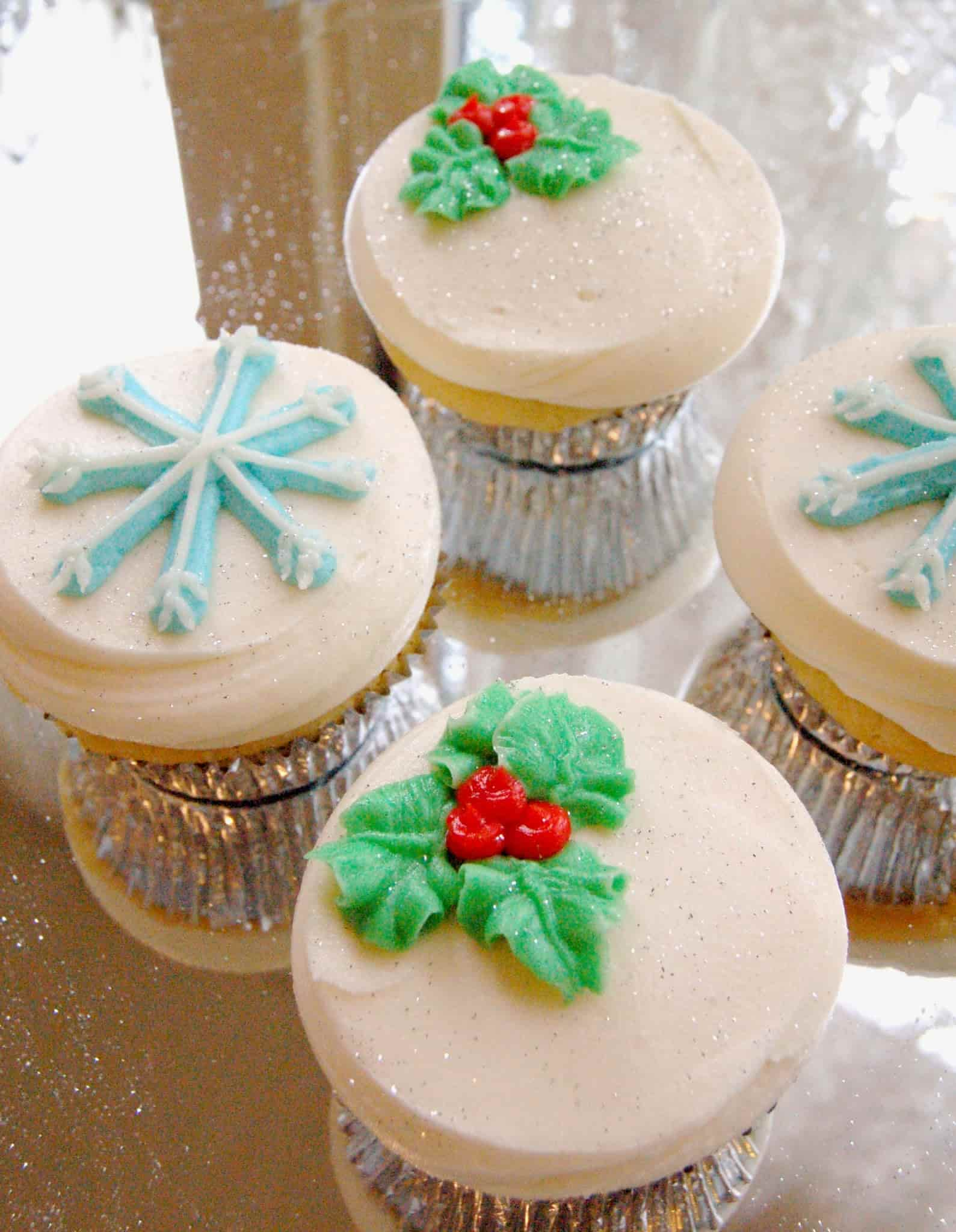 M Bakery - Holiday Piped Cupcakes