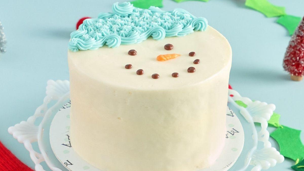 M Bakery's Snowman Cake