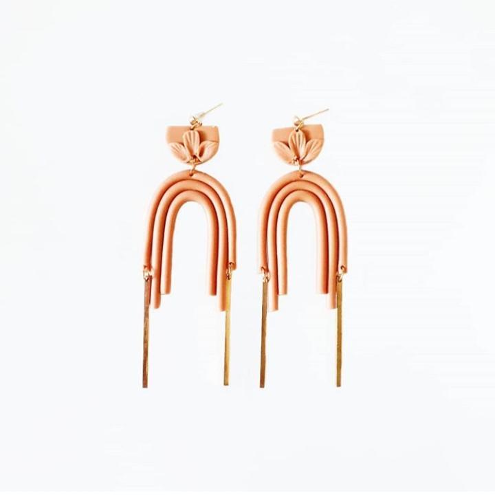 Frankie & Friends: earrings