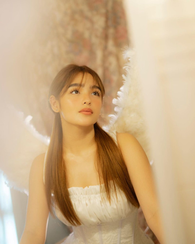 Cute and easy harstyle: Andrea Brillantes half-ponytail