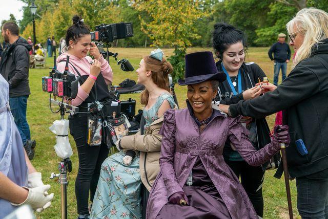Bridgerton - Behind the scenes: hair and makeup