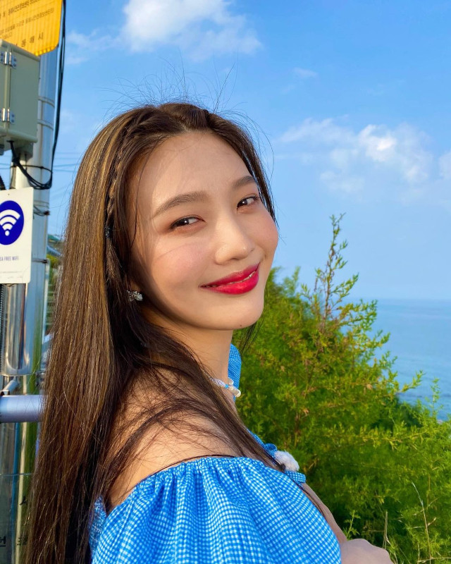 Cute and Easy hairstyle: Joy of Red Velvet
