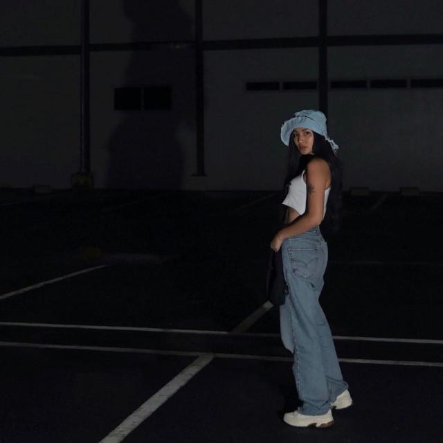 Nadine Lustre Style, Fashion: Wide-leg jeans
